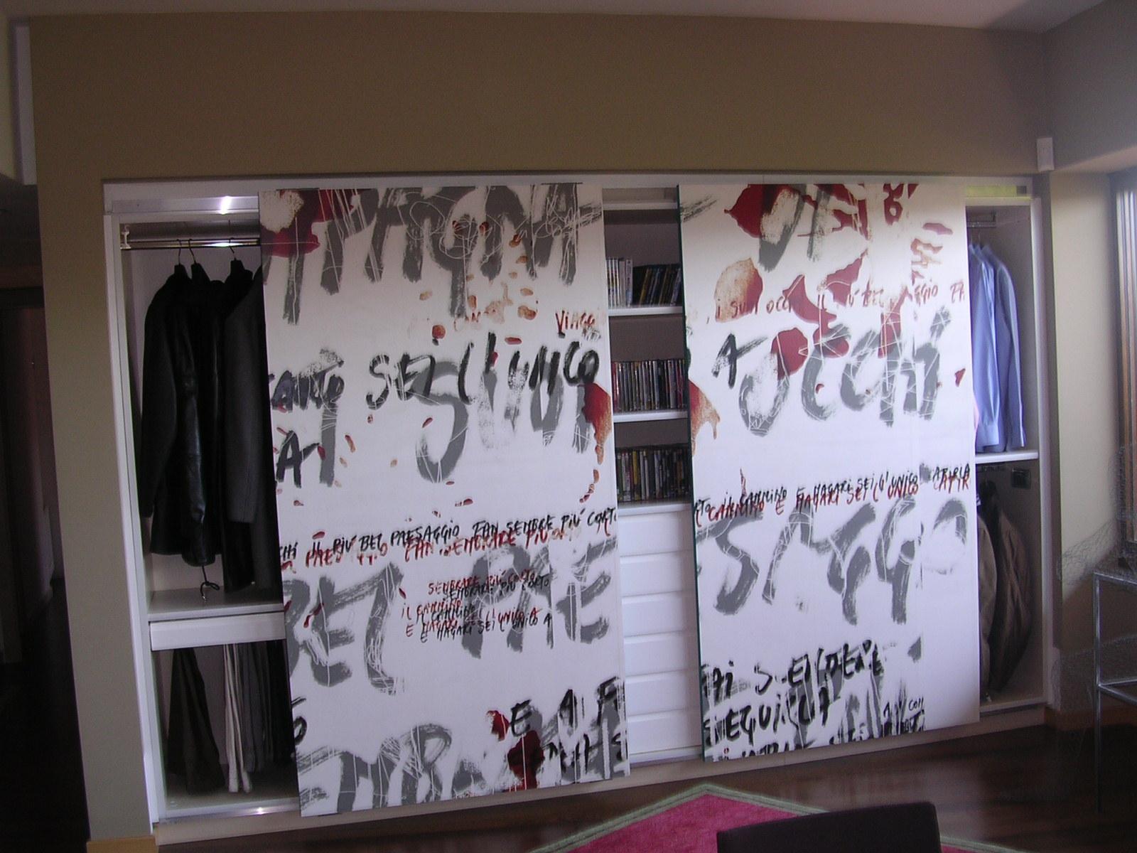 Armadio in listellare con ante scorrevoli dipinte disegno - Mobile soggiorno fai da te ...