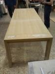 Tavolo in rovere spazzolato durante la costruzione esteso alla massima lunghezza