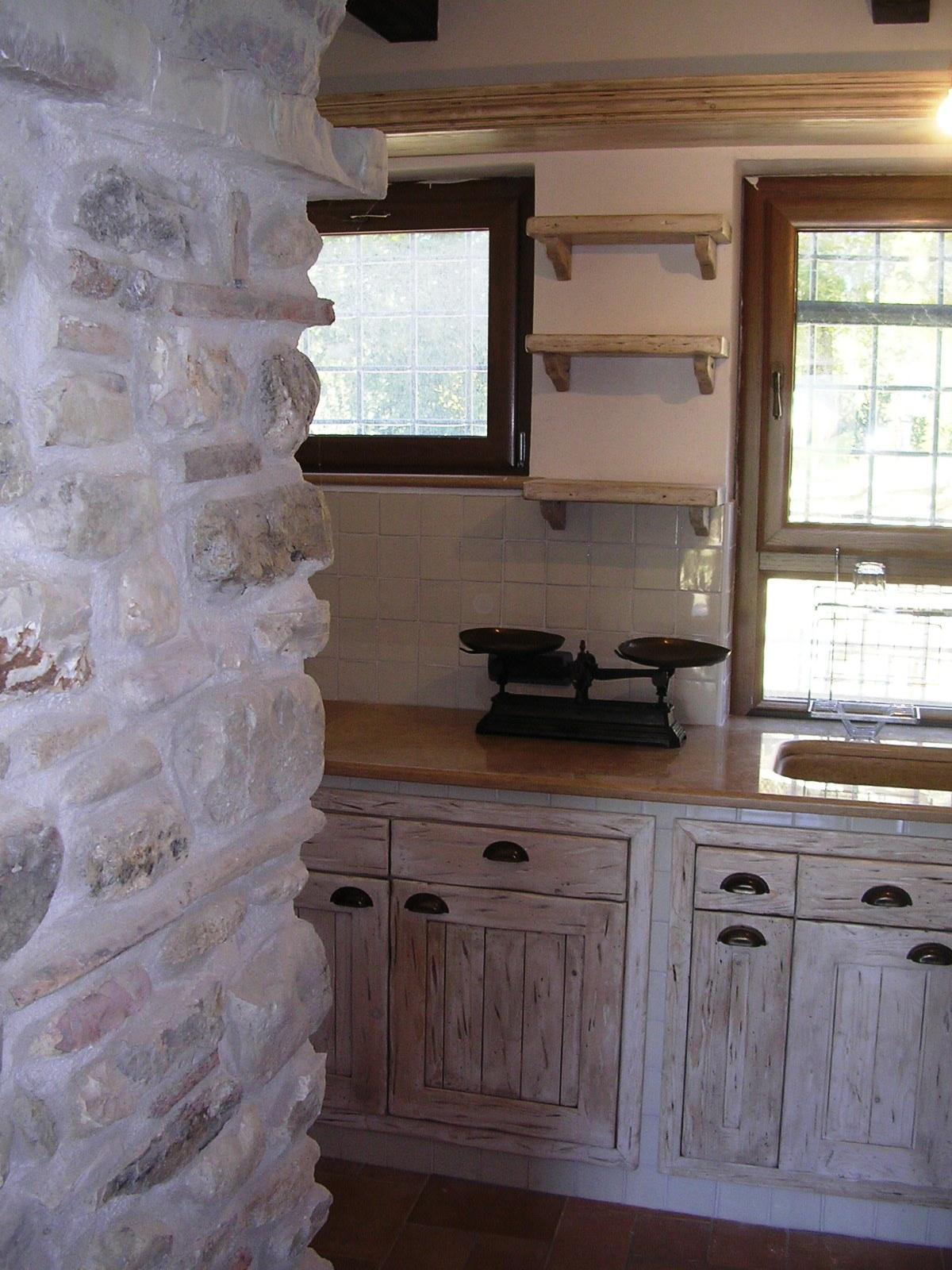 Cucine in muratura e componibili rd arredamenti for Arredo cucina fai da te