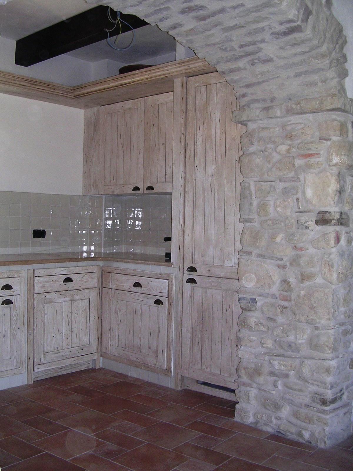 Cucina in muratura falegnameria rd arredamenti s r l - Mobili per cucine in muratura fai da te ...