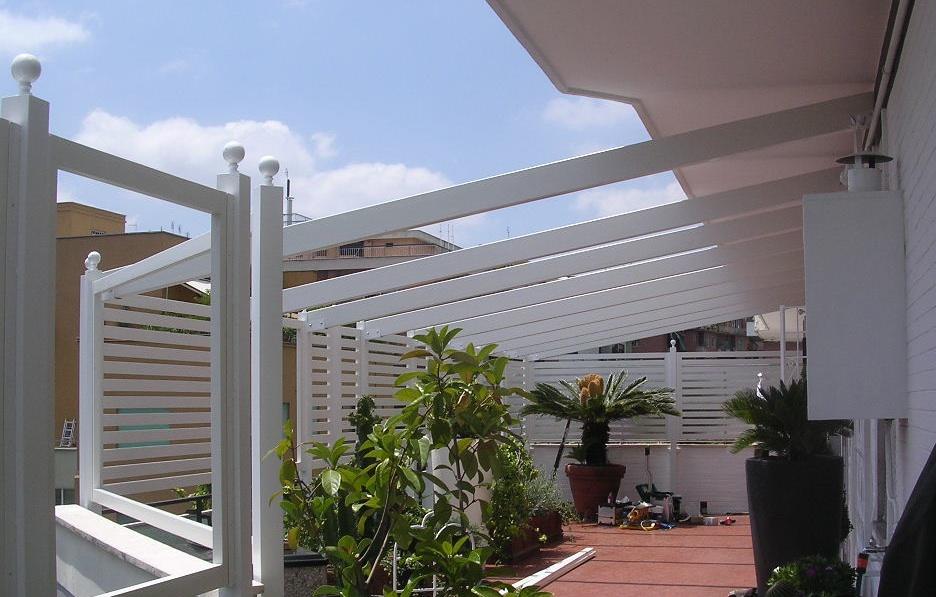 Arredo esterno falegnameria rd arredamenti s r l roma armadi su misura cucine componibili - Strutture in alluminio per esterno ...