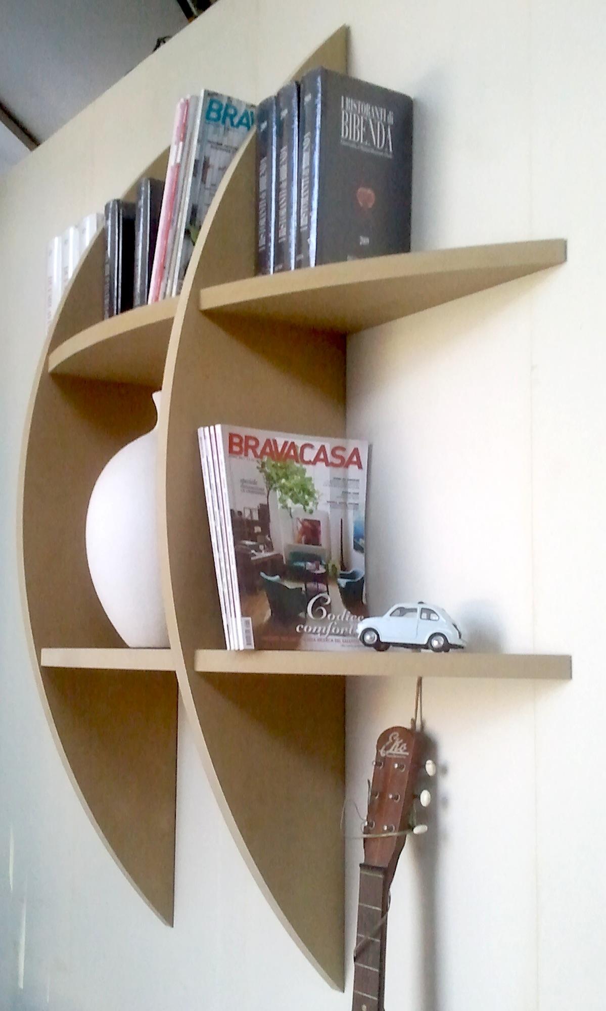 Libreria mensola in mdf grezza ad incastro personalizzabile falegnameria rd arredamenti s r l - Parete in legno fai da te ...